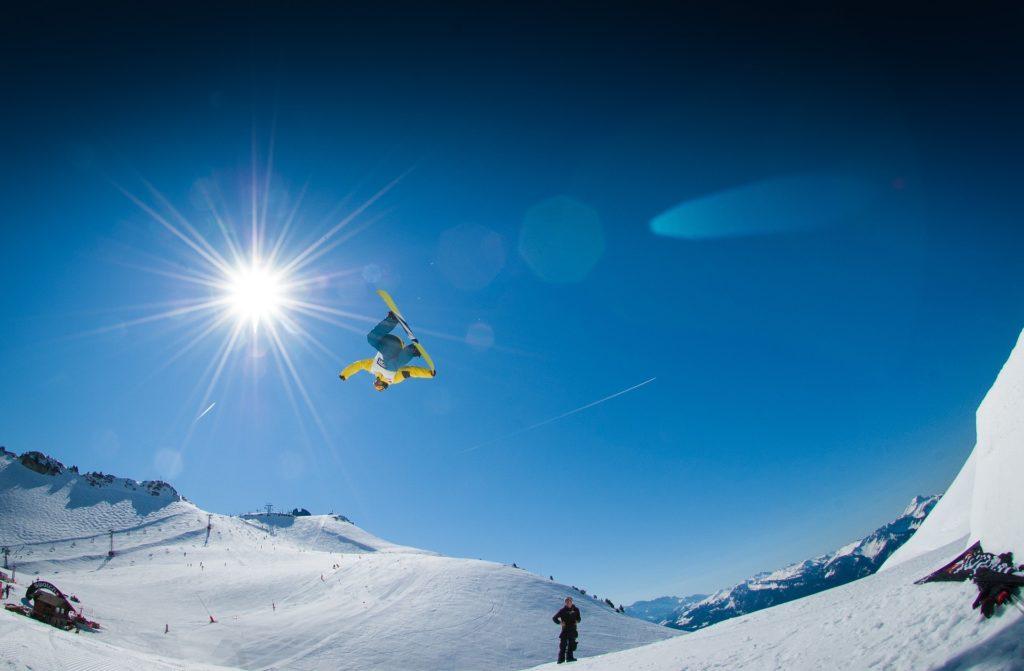 Snowboarding by Pexels
